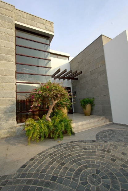 outdoor flooring stone pvaer supplier in delhi